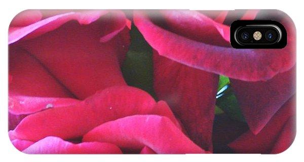 Roses Like Velvet IPhone Case