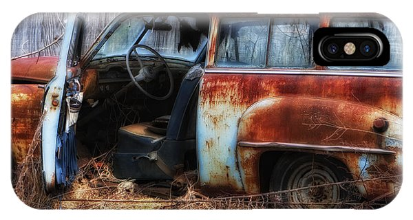 Rusty Station Wagon IPhone Case