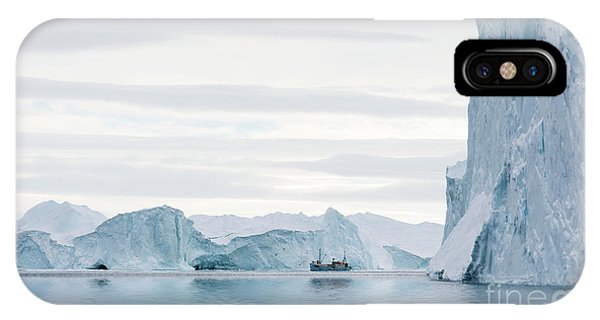 Glacier Bay iPhone Case - Sailing Through  The Icefjord by Janet Burdon