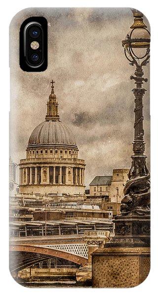 London, England - Saint Paul's IPhone Case