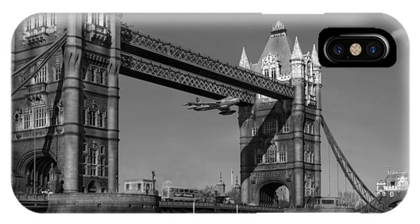 Seven Seconds - The Tower Bridge Hawker Hunter Incident Bw Versio IPhone Case