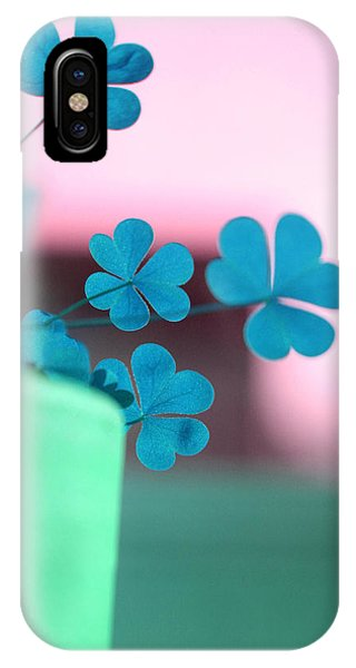 Shamrock Pot V IPhone Case
