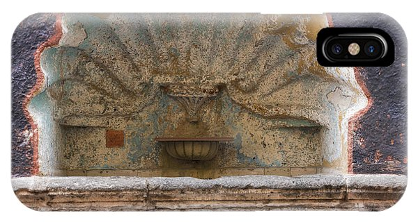 San Miguel iPhone Case - Shell Shaped Fountain In San Miguel Mexico by Juli Scalzi