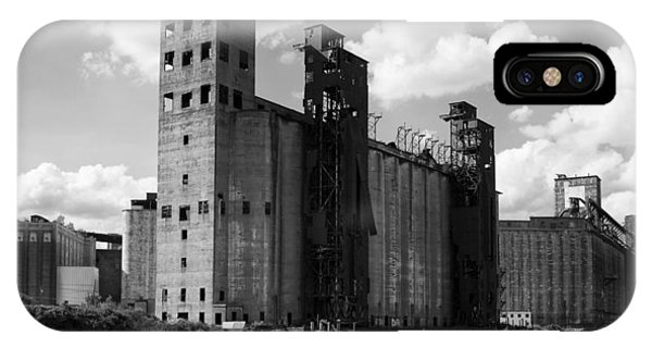 Silo iPhone Case - Silo City 1 by Peter Chilelli