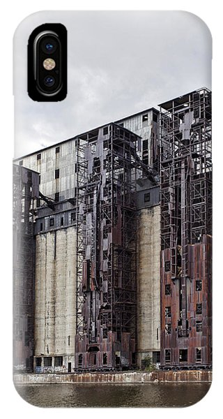 Silo iPhone Case - Silo City 10 by Peter Chilelli