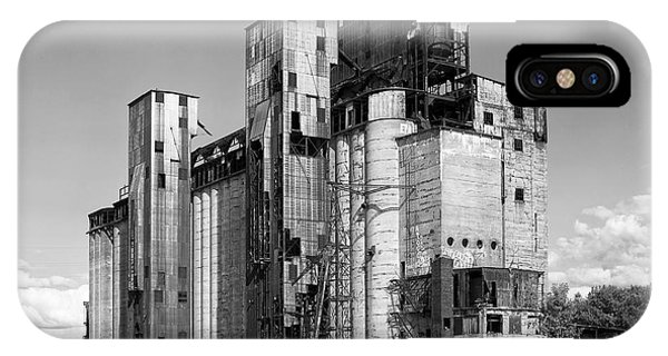 Silo iPhone Case - Silo City 2 by Peter Chilelli