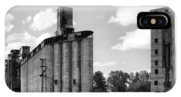 Silo iPhone Case - Silo City 3 by Peter Chilelli