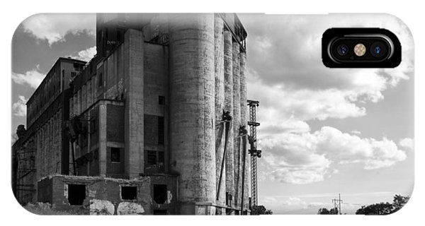 Silo iPhone Case - Silo City 4 by Peter Chilelli