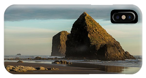 Silver Point Seastacks IPhone Case
