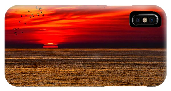 Sun Set iPhone Case - Sinking Setting Sun by Garry Gay