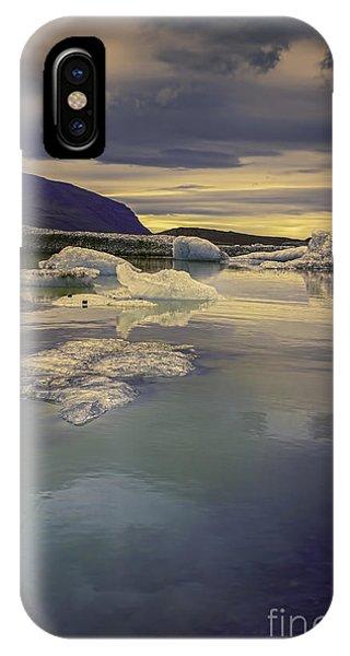 Skaftafellsjokull Lagoon IPhone Case