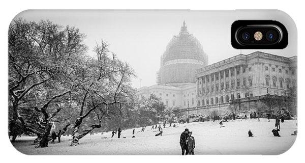 Sledding On Capitol Hill Phone Case by Robert Davis
