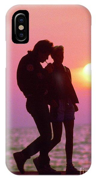 Slinky Couple Sunrise Chicago  Lake Front IPhone Case