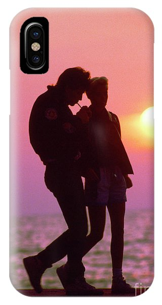 Slinky Couple Sunrise Chicago  Lake Front IPhone Case