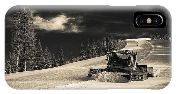Snowcat IPhone Case