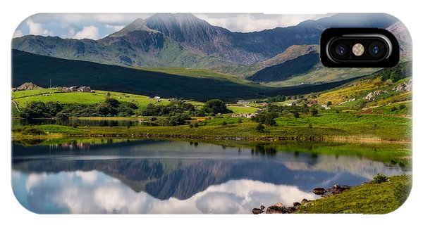 Snowdon Horseshoe IPhone Case
