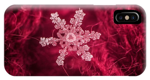 Snowflake On Red IPhone Case