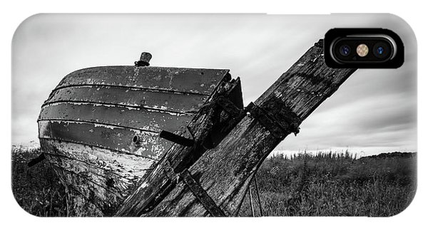 Monochrome iPhone Case - St Cyrus Wreck by Dave Bowman