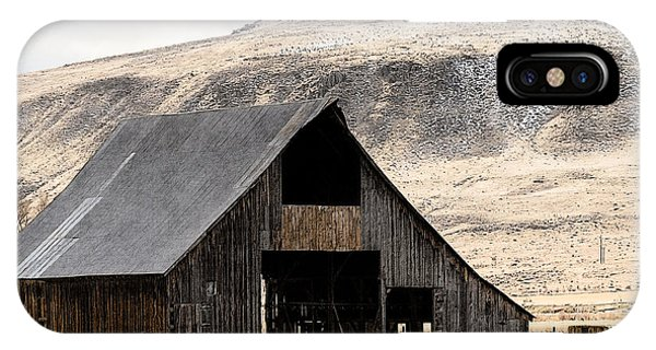 IPhone Case featuring the photograph Standish Barn In Winter by The Couso Collection