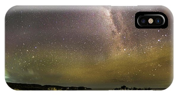 stary night in Broken beach IPhone Case