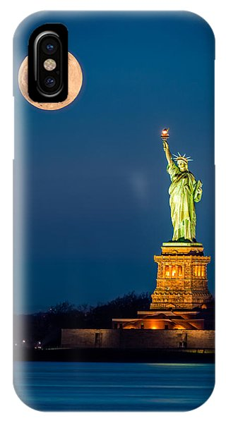 Statue Of Liberty And A Rising Supermoon In New York City IPhone Case