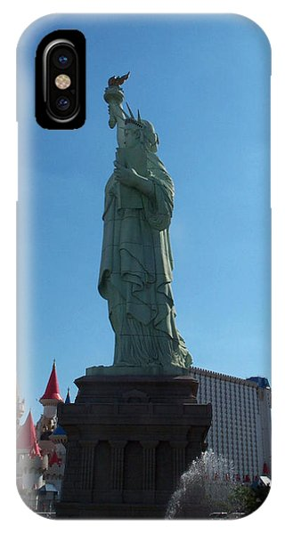 Statue Of Liberty Las Vegas Phone Case by Alan Espasandin