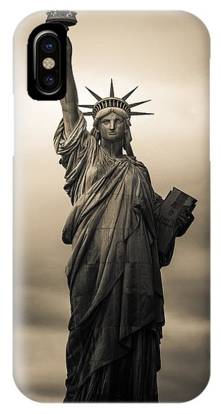 Statue Of Liberty iPhone Case - Statute Of Liberty by Tony Castillo