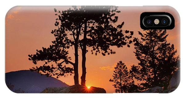 Rocky Mountain Np iPhone Case - Stop Right Here - Rocky Mountain Np - Sunrise by Nikolyn McDonald