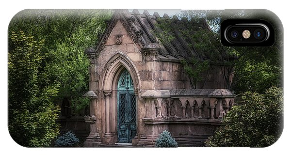 Brownstone iPhone Case - Strader Mausoleum by Tom Mc Nemar