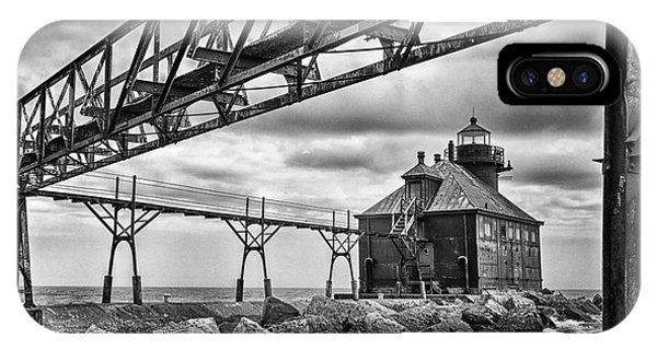 iPhone Case - Sturgeon Bay Ship Canal North Pierhead Lighthouse In Black And White by Margie Hurwich
