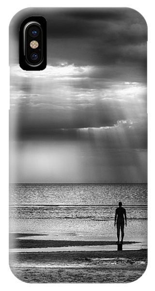Sun Through The Clouds Bw 11x14 IPhone Case
