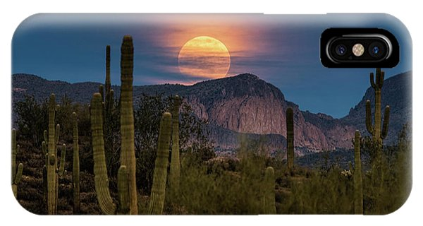 Super Moon 2018 - Wolf Moon  IPhone Case