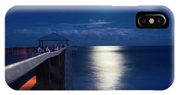Super Moon At Juno IPhone Case