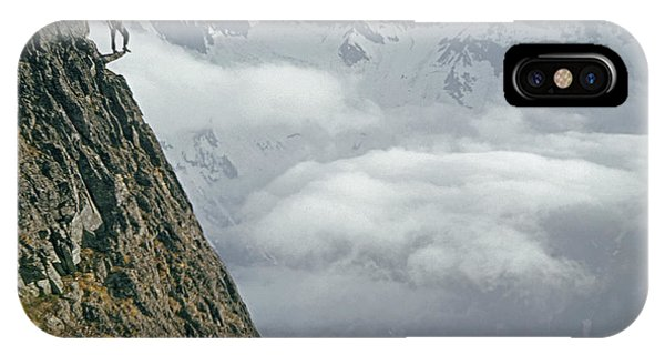 T-404101 Climbers On Sleese Mountain IPhone Case