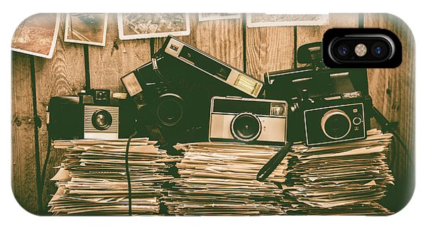 Vintage Camera iPhone Case - The Art Of Film Photography by Jorgo Photography - Wall Art Gallery
