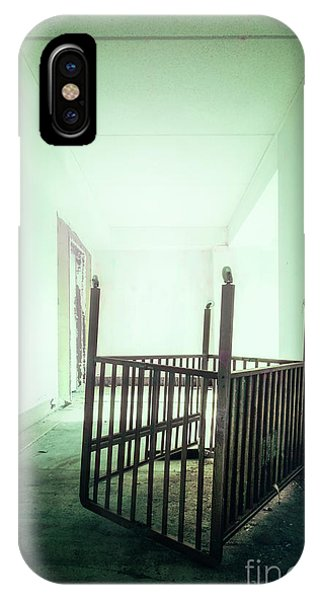 Desolation iPhone Case - The House Of Lost Dreams by Evelina Kremsdorf