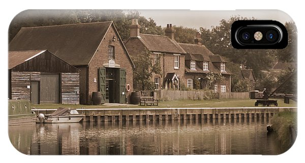Godalming iPhone X Case - The Lock Keeper's Cottage by Terri Waters