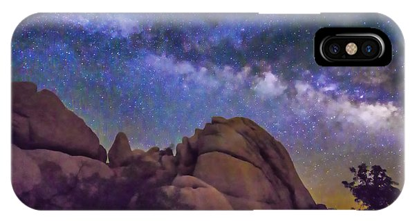 Milky Way Over Indian Rock IPhone Case
