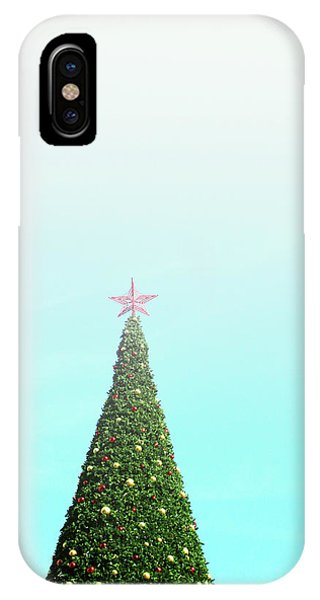 Christmas Tree iPhone Case - The Tallest Christmas Tee- Photograph By Linda Woods by Linda Woods