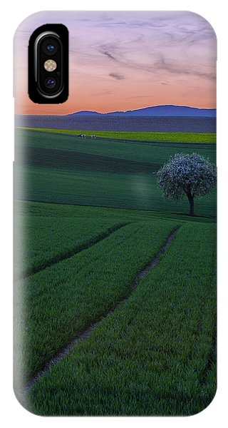 The Viewer IPhone Case