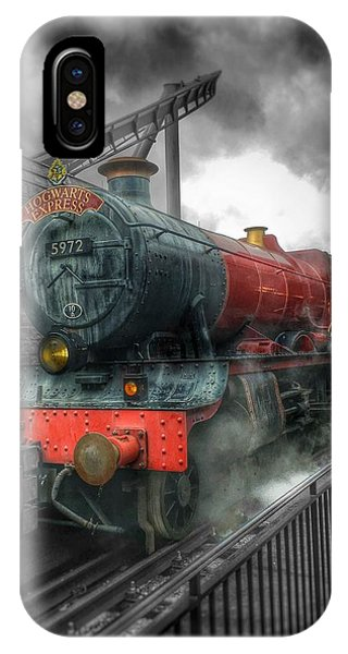 Hogwarts iPhone Case - To Hogwarts  by Luis Rosario
