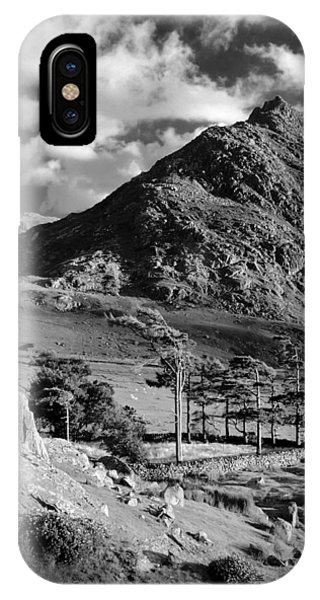 Tryfan And Ogwen Valley IPhone Case
