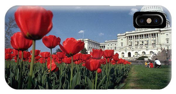 Tulips At The Capitol Phone Case by Carl Purcell