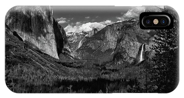 Tunnel View Black And White  IPhone Case