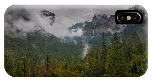 Tunnel View IPhone Case