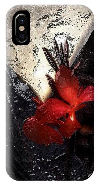 Une Belle Fleur IPhone Case