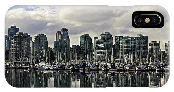 Vancouver Marina Phone Case by Walter Fahmy