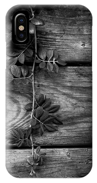 IPhone Case featuring the photograph Vine On Barn by Greg Mimbs