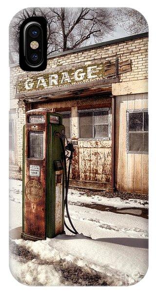 Vintage Garage IPhone Case