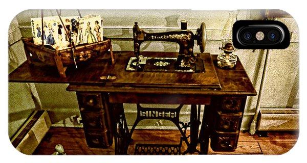 Vintage Singer Sewing Machine IPhone Case